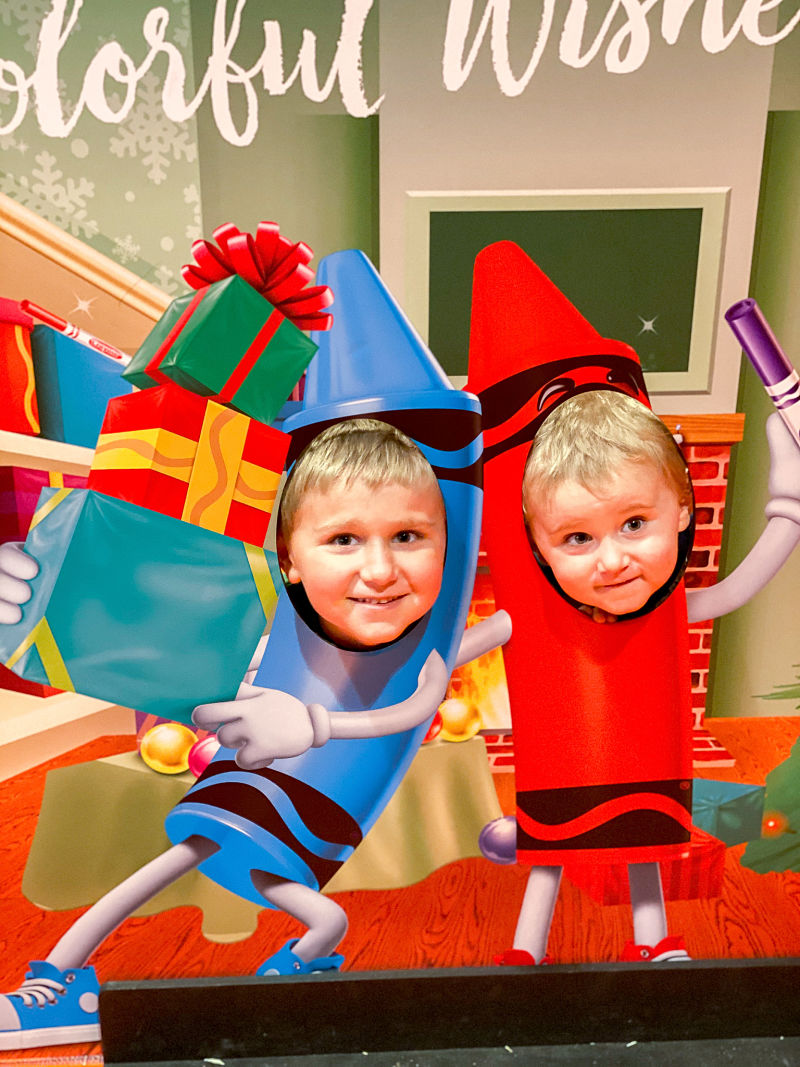 crayola experience holiday photo op